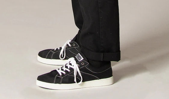 Giày tái chế độc nhất vô nhị