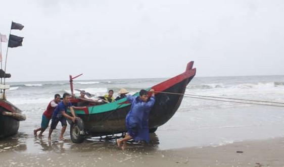 Hà Tĩnh lệnh cấm biển, cảnh báo mức độ ảnh hưởng của bão số 13