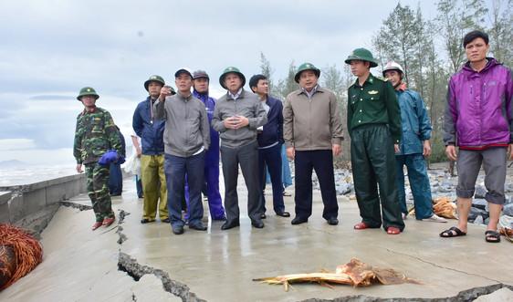 Thừa Thiên Huế: Tổng lực khắc phục hậu quả bão số 13 ở vùng ven biển