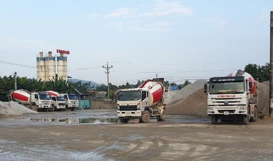 """Thái Nguyên: Trạm trộn bê tông Tuấn Tùng """"qua mặt"""" chính quyền, vi phạm đất đai"""