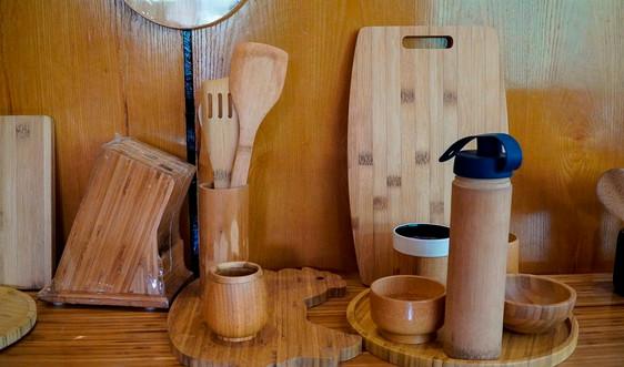 Sử dụng nguyên liệu tre thay thế đồ gỗ, nhựa