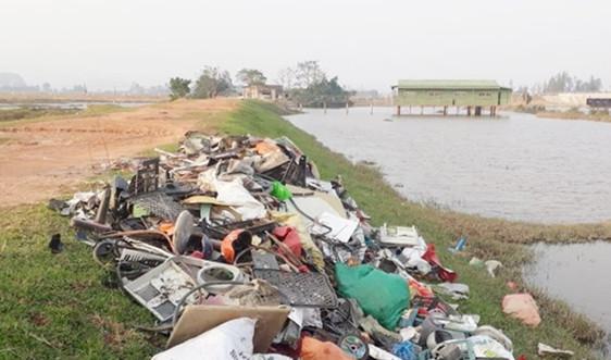 Hà Tĩnh: Đổ rác không đúng nơi quy định, một người dân bị phạt 4 triệu đồng