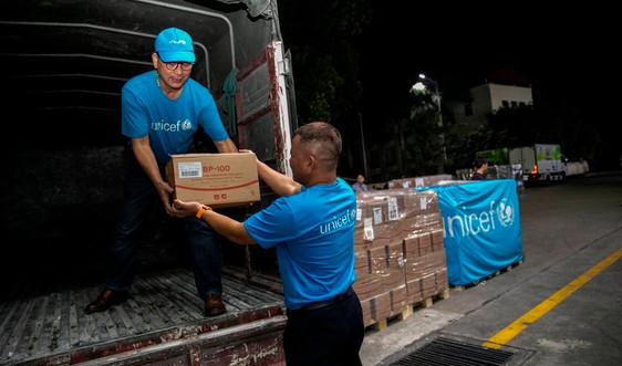 UNICEF hỗ trợ sản phẩm dinh dưỡng cho trẻ em vùng bão lũ
