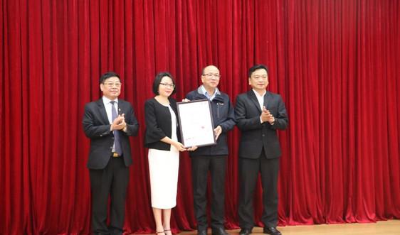 Trao chứng nhận ISO về hệ thống quản lý môi trường cho Formosa Hà Tĩnh
