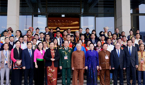 Chủ tịch Quốc hội Nguyễn Thị Kim Ngân gặp mặt Đoàn đại biểu dự Đại hội đại biểu toàn quốc các DTTS Việt Nam