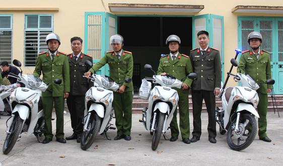 Hà Nam: Đã bàn giao 181 xe mô tô phục vụ công tác cho Công an chính quy cấp xã