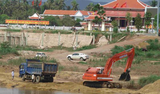 Chủ tịch UBND tỉnh Bình Định chỉ đạo dừng nạo vét tận thu đất, cát sông Lại Giang