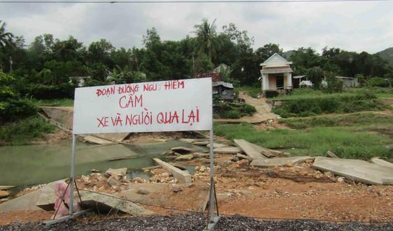 Phú Yên: Nhiều công trình giao thông tại huyện Đồng Xuân bị phá hủy, sạt lở sau mưa lũ