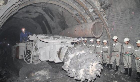 Khu mỏ Khe Chàm (Quảng Ninh): Chính xác hóa cấu trúc địa chất khu mỏ