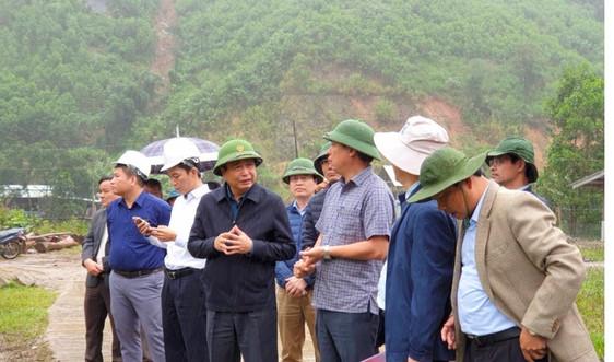Kiểm tra khắc phục hậu quả mưa lũ, sạt lở đất tại Quảng Nam