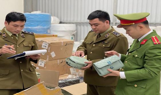 Thanh Hóa: Ngăn chặn xe ô tô vận chuyển hàng hóa nghi nhập lậu