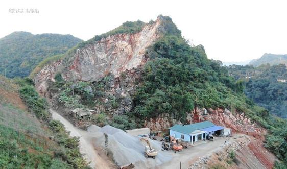 Núp bóng giấy phép thăm dò khoáng sản để khai thác đá trái phép tại Mộc Châu (Sơn La): Tạm giữ phương tiện