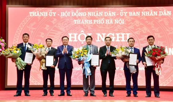 Công bố quyết định của Thủ tướng phê chuẩn 5 Phó Chủ tịch UBND thành phố Hà Nội