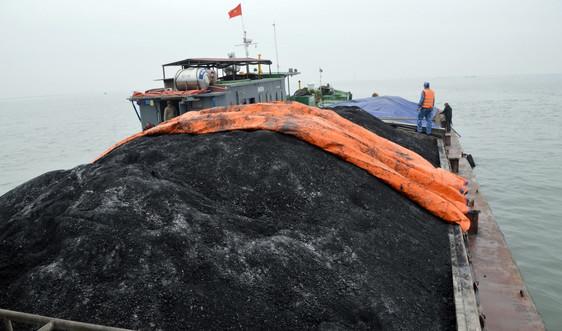 Tạm giữ 850 tấn than không rõ nguồn gốc tại vùng biển Hải Phòng và Quảng Ninh
