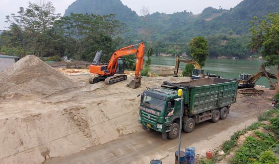 Hà Giang: Dân khốn khổ vì xe chở cát của Công ty Mai Nhung