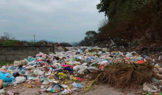 Mỹ Đức - Hà Nội: Rác thải chất đống gây ô nhiễm môi trường nghiêm trọng