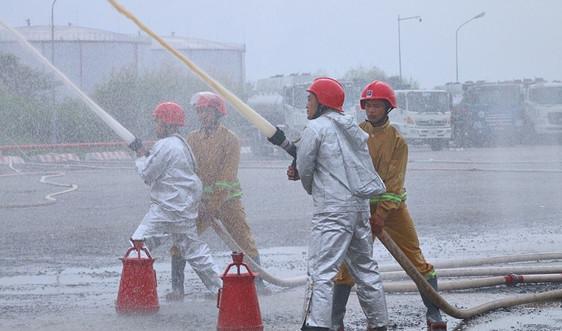 Tổng kho Nhà Bè sẵn sàng đảm bảo an toàn phòng cháy chữa cháy cho 2021