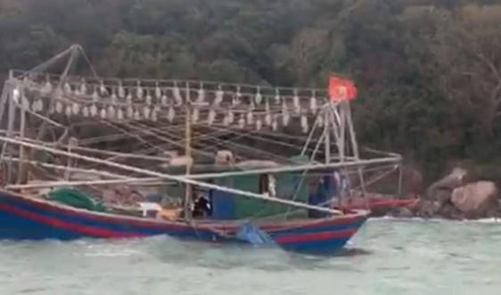 Cứu thành công ba thuyền viên tàu cá gặp nạn trên biển Quảng Ninh