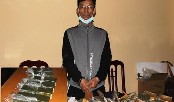 Hà Nam: Bắt giữ đối tượng vận chuyển 14 bánh heroin