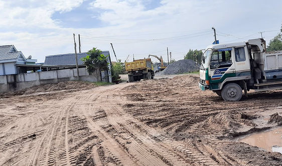 Tiền Giang: Xem xét đối với các bến bãi kinh doanh VLXD trên tuyến đường Đông Kênh Năng