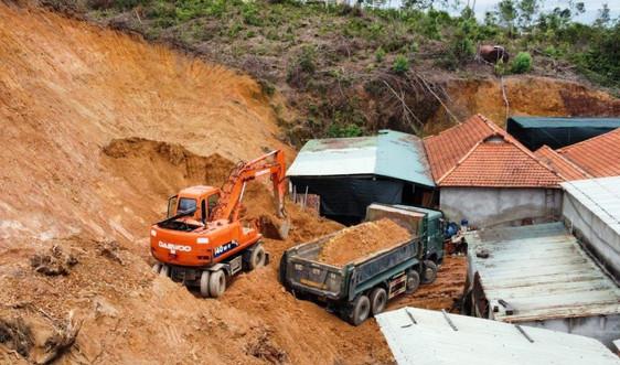 Quảng Nam: Xin khắc phục sạt lở nhưng lại mang đất đi bán