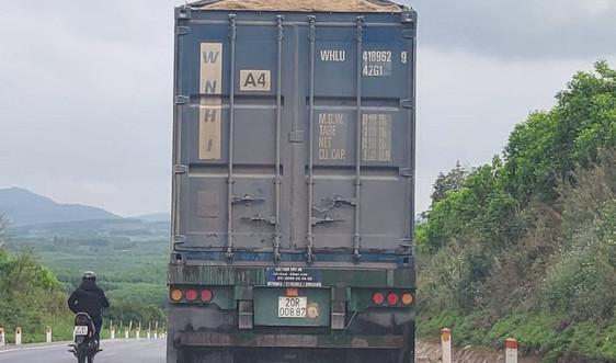 """Nghệ An: Kiên quyết xử lý xe container """"hoán cải"""" để chở hàng quá tải"""