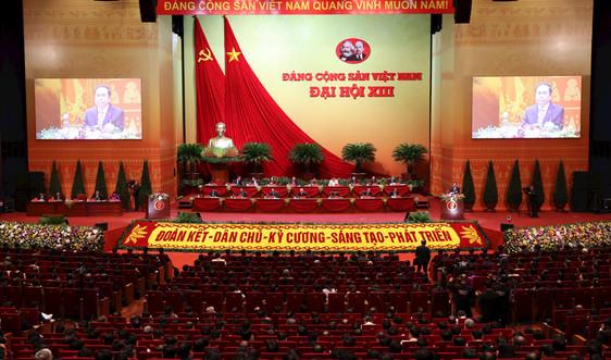 Đại biểu dự Đại hội XIII của Đảng thảo luận nội dung các dự thảo Văn kiện