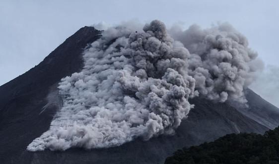 Núi lửa Merapi phun trào, Indonesia sơ tán người dân khẩn cấp