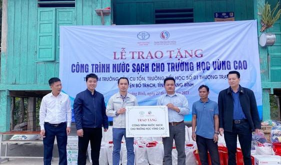 Trao tặng công trình cấp nước sạch cho 2 điểm trường tại Quảng Bình