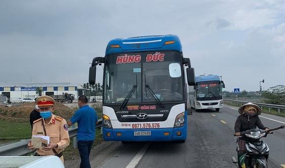 Quảng Ngãi: Khẩn trương truy vết người đi xe khách từ vùng dịch nhưng xuống xe dọc đường