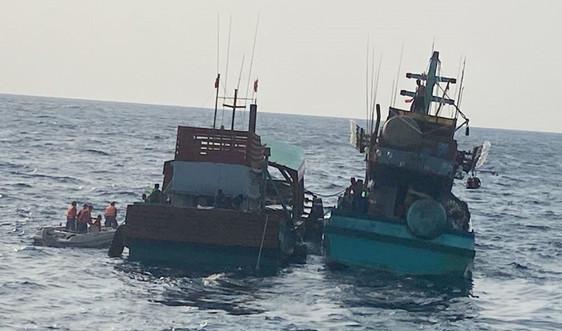 Cảnh sát biển cứu nạn thành công tàu cá CM92411TS tại vùng biển Tây Nam