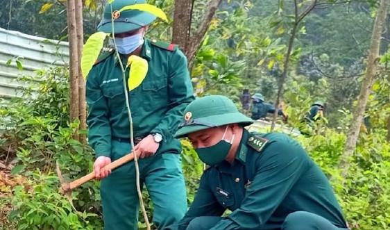 """Bộ đội Biên phòng Đà Nẵng trồng 1.600 cây xanh trong dịp """"Tết trồng cây đời đời nhớ ơn Bác Hồ"""""""