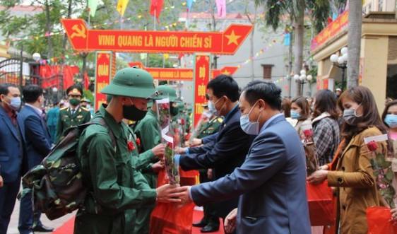 Thanh niên Lạng Sơn hăng hái lên đường nhập ngũ