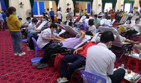 Ngày hội Hiến máu tình nguyện – Một giọt máu cho đi, một cuộc đời ở lại