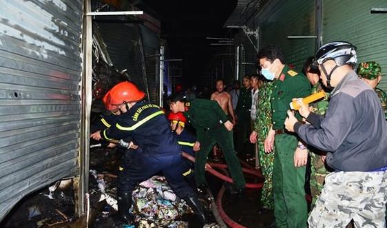 Điện Biên: Cháy lớn thiêu rụi nhiều ki-ốt chợ Noong Bua