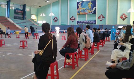Huế xét nghiệm COVID – 19 cho hàng ngàn sinh viên