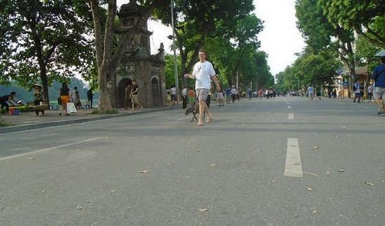 Hà Nội: Phố đi bộ hồ Gươm hoạt động trở lại