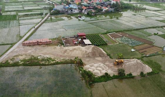 Kiến Thụy (Hải Phòng): Đất nông nghiệp biến thành bãi kinh doanh VLXD ngay trước mặt trụ sở xã?