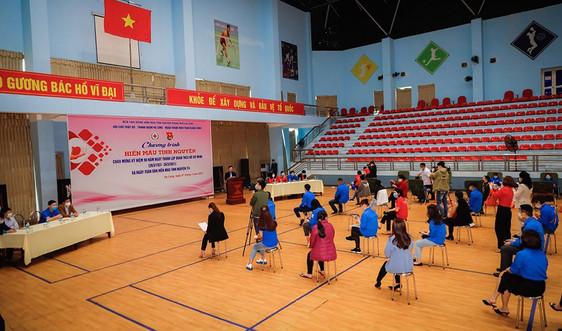 Quảng Ninh: Vượt dịch COVID-19, mang những gọt máu hồng đến với người bệnh