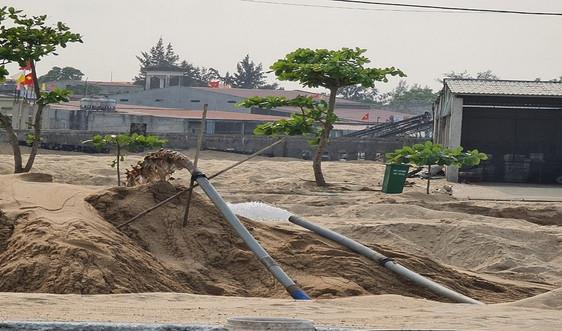 Quảng Bình: Lợi dụng nạo vét cảng cá khai thác cát trái phép