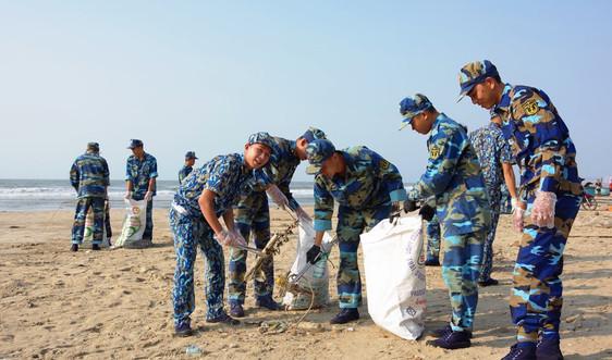 Thanh niên hải quân nêu cao ý thức bảo vệ môi trường