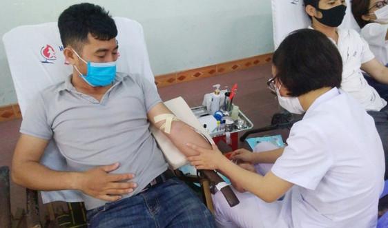 Sinh viên Đà Nẵng chia sẻ hơn 300 đơn vị máu