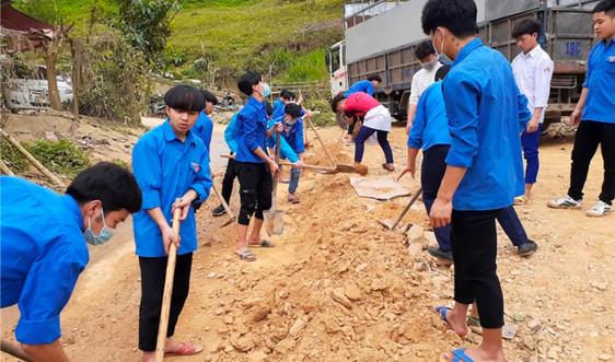 Thân thương màu áo xanh tình nguyện nơi biên cương Lào Cai