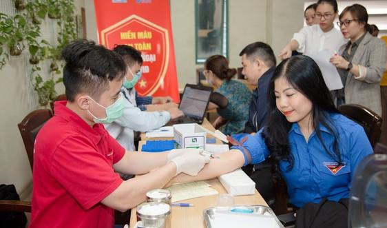 Công đoàn, Đoàn thanh niên Tổng cục Quản lý đất đai tổ chức Chương trình hiến máu nhân đạo