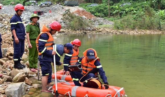 Nối lại việc tìm kiếm các công nhân mất tích trong vụ sạt lở thủy điện Rào Trăng 3