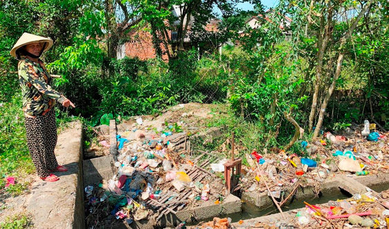 Quảng Nam: Người dân khốn khổ sống cạnh dòng kênh ô nhiễm