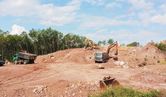 """Thừa Thiên Huế: Các dự án """"gặp khó"""" vì thiếu đất san lấp"""
