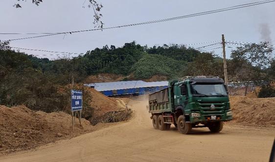 Chợ Đồn – Bắc Kạn: Đục cả quả đồi chở  đất về nhà máy gạch Tuynel Chợ Đồn