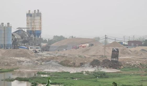 Tiên Du (Bắc Ninh): Nhiều trạm trộn bê tông xả thải gây ô nhiễm, chính quyền né tránh báo chí