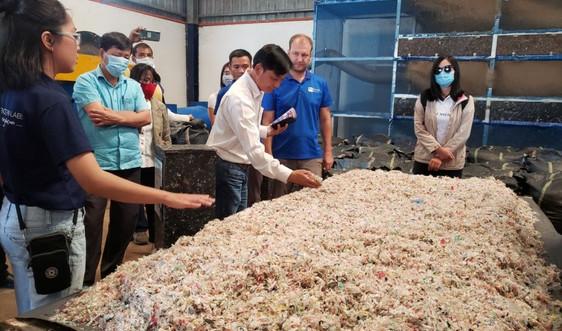 Hội An: Tái chế rác nhựa vì một điểm đến xanh